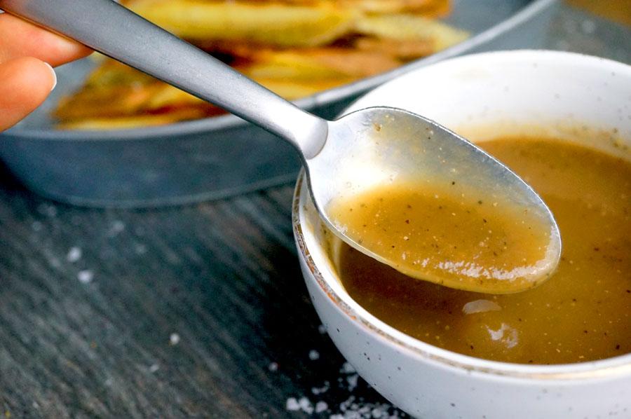 paleo poutine gravy