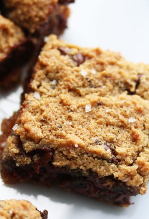 gluten free chocolate chip cookie bar blondies